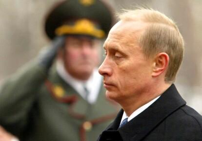 Владимир Путин в воинской части