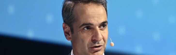 Премьера Греции раскритиковали за нарушение правил локдауна