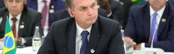 Поел на улице: Непривитого президента Бразилии не пустили в ресторан Нью-Йорка (ФОТО)