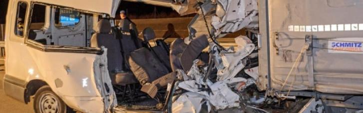 В Венгрии микроавтобус с украинцами попал в ДТП: пятеро погибших