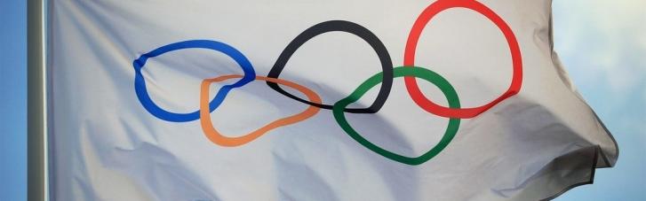 МОК лишил аккредитации двух белорусских тренеров из-за скандала с легкоатлеткой Тимановской