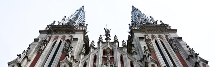134 транзакции по копейке. Как живет костел Святого Николая после пожара и хватит ли денег на его ремонт