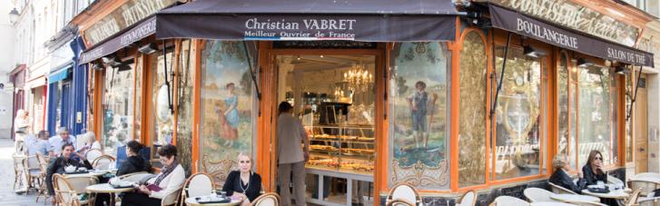 Во Франции спустя более, чем полгода открылись кафе, рестораны и магазины