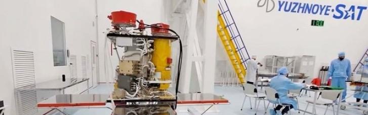 Україна підписала контракт на виведення супутника на орбіту