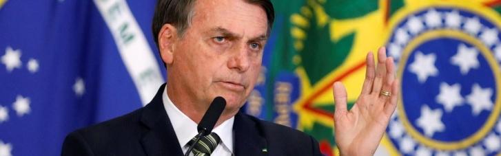Сначала вакцина – потом футбол: президента Бразилии не пустили на стадион без прививки