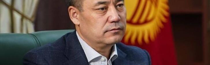 Президенты Кыргызстана и Таджикистана договорились отвести всю технику от границ
