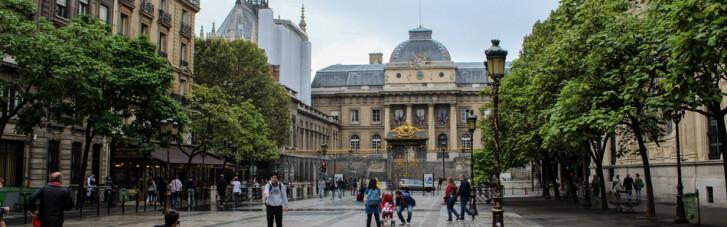 """Привет из Парижа.  Как Ощадбанк скостил Украине треть """"долга Януковича"""""""