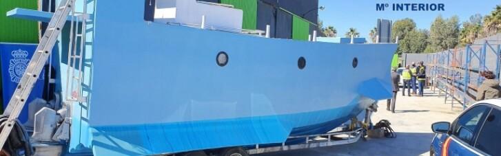 Іспанська поліція знайшла саморобний підводний нарко-човен (ФОТО)