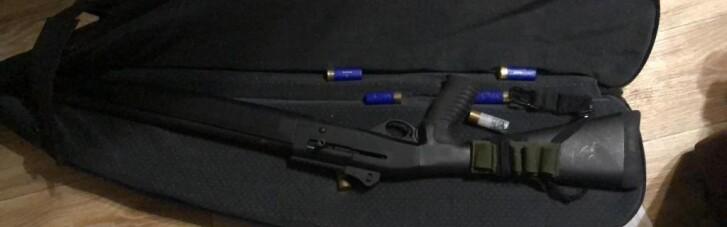 Чиновники Нацполиции за взятки выдавали разрешения на оружие: установлено более 800 фактов (ФОТО)