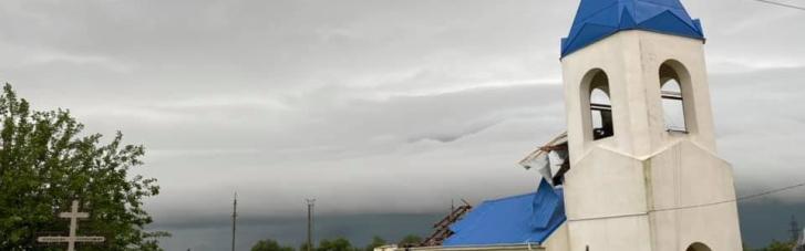 Под Одессой ураган сорвал купол и крышу с храма (ФОТО)
