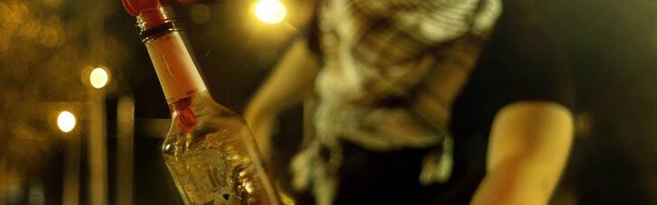 "В Закарпатской области во двор нардепа-""слуги"" метнули коктейль Молотова (ФОТО)"