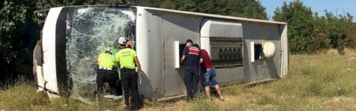 У Туреччині розбився автобус з українськими туристами: є загиблий, десятки поранених