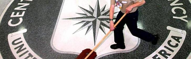 Американська зброя і українці, які воюють у Криму. Як анонім з ЦРУ Путіну допоміг