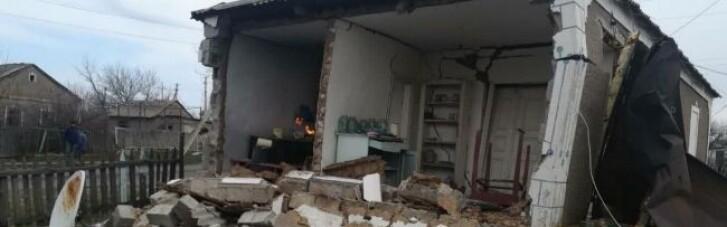 На Донбассе возле линии фронта взрывом газа разнесло дом