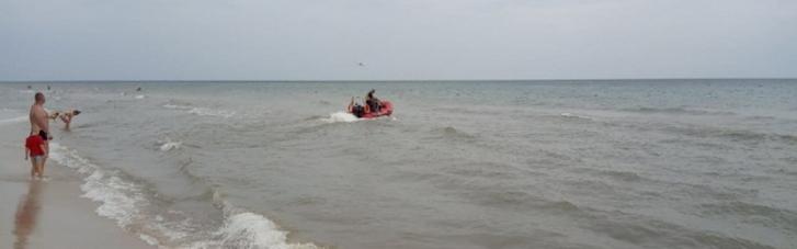 На Херсонщине матрац с отцом и сыном вынесло в море: ребенок погиб, взрослого еще ищут