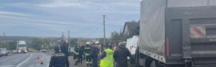 На Одещині у ДТП загинув поліцейський, ще один у важкому стані (ФОТО)