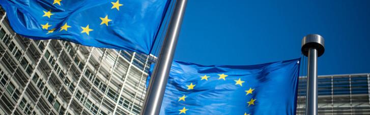 Российские войска на границе Украины: в ЕС заговорили о новых санкциях против агрессора