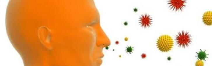 Снял маску и умышленно кашлял на коллег: в Испании мужчина заразил COVID 22 человека