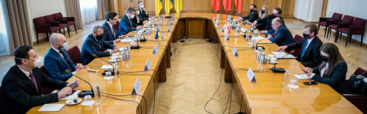 Глава МИД Польши пообещал Украине помощь в противостоянии агрессии РФ (ФОТО)