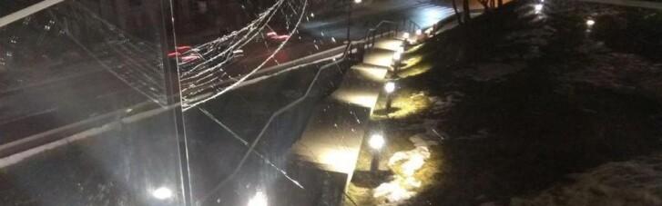 Во Львове поймали парня, который повредил мемориал Героям Небесной сотни: что грозит вандалу