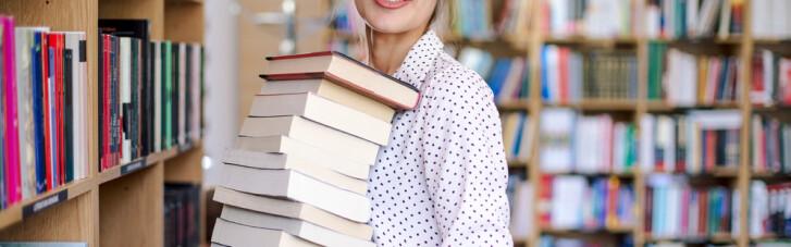 """Онлайн-конференція """"ДС"""": Антон Мартинов про те, навіщо українцям книжки і бібліотеки (ВІДЕО)"""