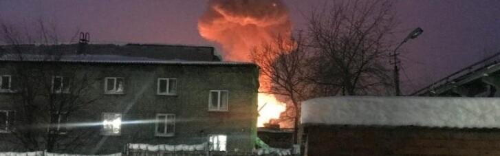 """В Росії вибухнув і запалав завод, який виробляє снаряди для """"Градів"""" і """"Смерчів"""" (ВІДЕО)"""