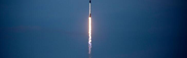 SpaceX впервые отправила ракету с людьми на МКС