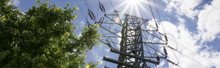 """Зеленский пообещал прибыль """"Энергоатому"""". Как тарифы на электричество вырастут уже с июля"""