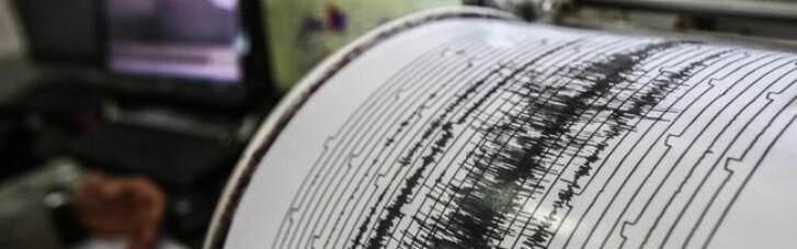 Новое землетрясение в Японии: поезда остановили, тысячи людей эвакуируют