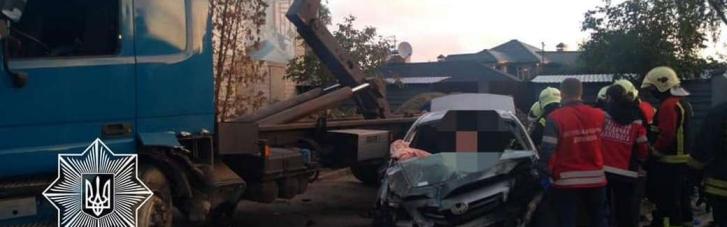 ДТП під Києвом: двоє людей загинули, троє у лікарні