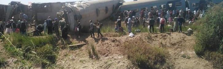 У Єгипті зіштовхнулися два потяги: десятки загиблих і постраждалих (ФОТО, ВІДЕО)