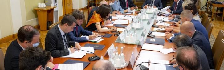 """У Зеленского обсудили судебную реформу с послами """"Большой семерки"""""""