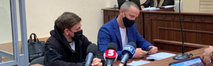 Суд избрал меры пресечения подозреваемым в нападении на фотокорреспондента под ОПУ