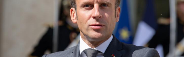 Еммануель з характером. Навіщо Макрон приміряв корону Французької імперії
