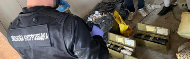 Експосадовця Укроборонпрому запідозрили у крадіжці оптичних прицілів