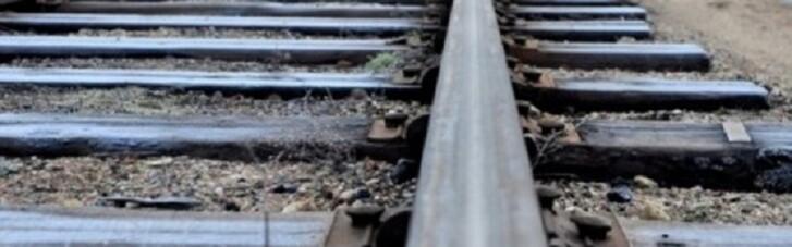 В Одесі 13-річна дівчинка після телефонної розмови кинулася під поїзд