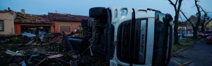 В Чехии бушевал торнадо: 150 человек ранены (ФОТО, ВИДЕО)