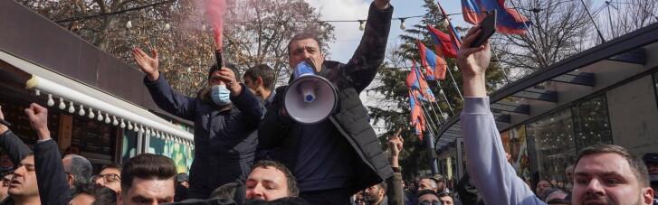 В Армении продолжаются массовые протесты с требованием отставки Пашиняна