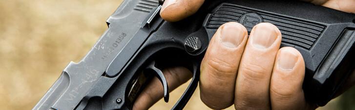 В Україні відновлять видачу дозволів на зброю, — глава Нацполіції