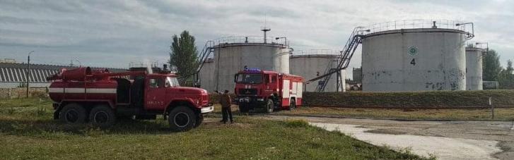 В Николаеве загорелся резервуар с дизельным топливом (ФОТО)
