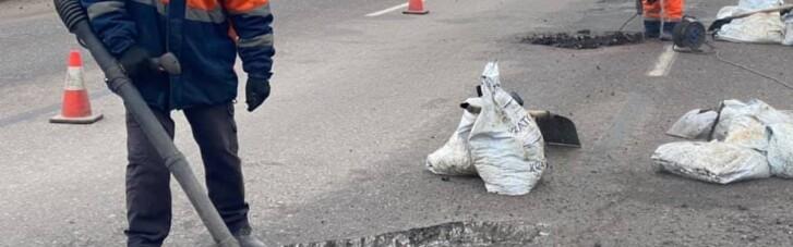В Киеве неизвестный открыл огонь по работникам, выполнявшим ремонт дороги