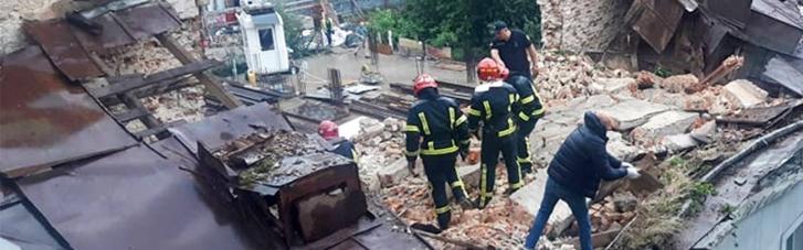 У Львові обвалилася стіна будинку, загинув чоловік