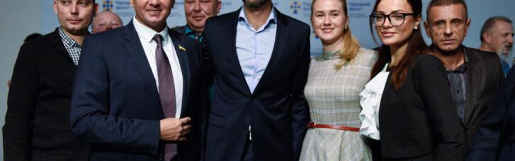 """Партия войны. Яценюк начал накручивать цену """"Народного фронта"""""""