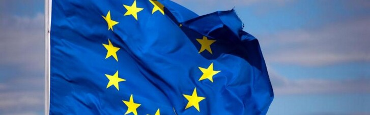 27 стран-членов ЕС согласовали введение COVID-паспортов: Reuters узнал их особенности