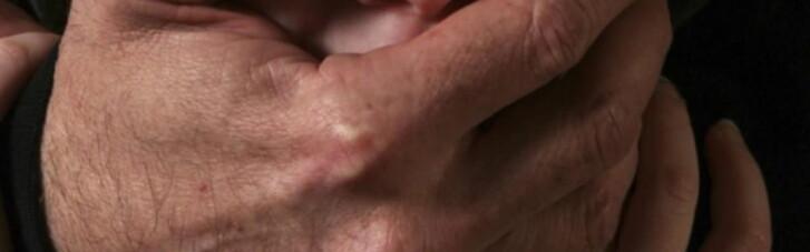 Поліція відзвітувала про затримання у Києві педофіла