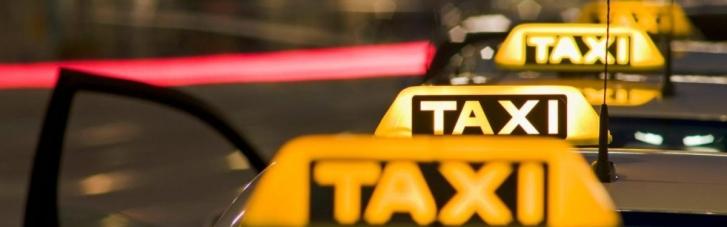 У Львові таксист катався з правами мертвого батька