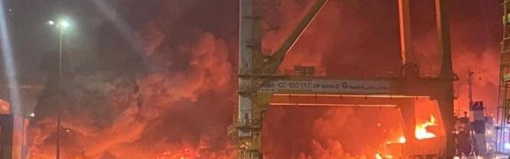 В порту Дубая прогремел взрыв (ФОТО, ВИДЕО)