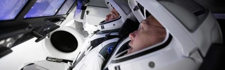 Капсула Crew Dragon повернулась на Землю. Що сказали Ілон Маск і Дональд Трамп