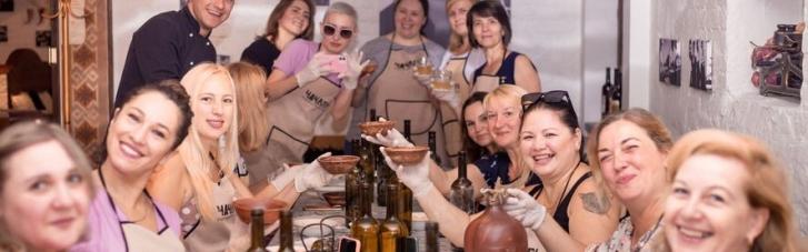"""Хачапури для семей воинов. ОО """"Сердца Киборгов"""" организовало женам атошников ресторанный мастер-класс"""