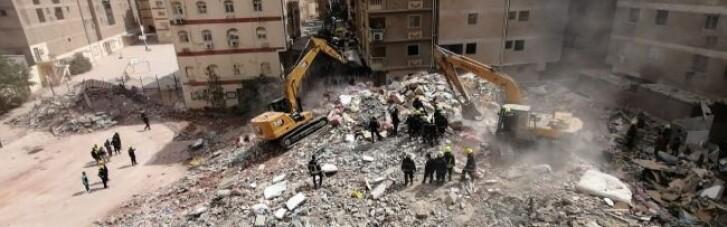 В Каїрі обвалився 10-поверховий житловий будинок: є загиблі (ФОТО, ВІДЕО)